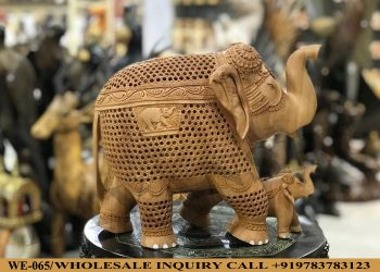 Wooden statues online,Wooden statues manufacturers, Wooden statues wholesale, Wooden idols near me, Corporate Gifts,eagle,festive décor,statue manufacures